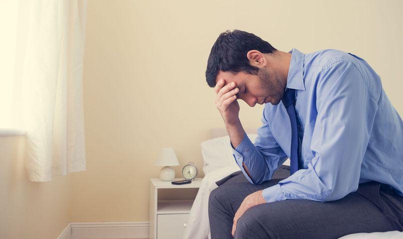 Osłabienie, chwilowy spadek formy czy depresja? Jak rozpoznać chorobę?