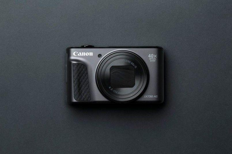 Canon PowerShot SX730 HS – kompaktowy dla aktywnych