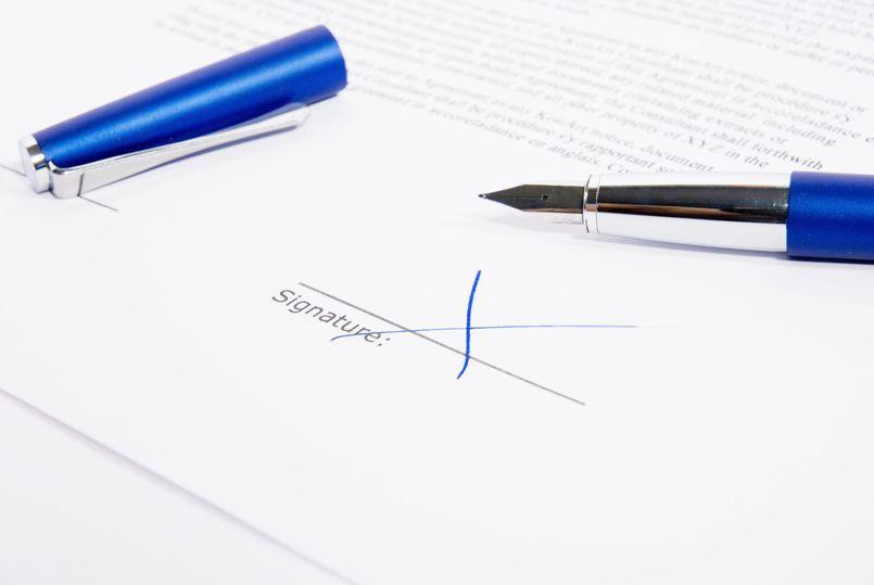 Czym jest umowa zlecenie i jakie są korzyści z zastosowania?