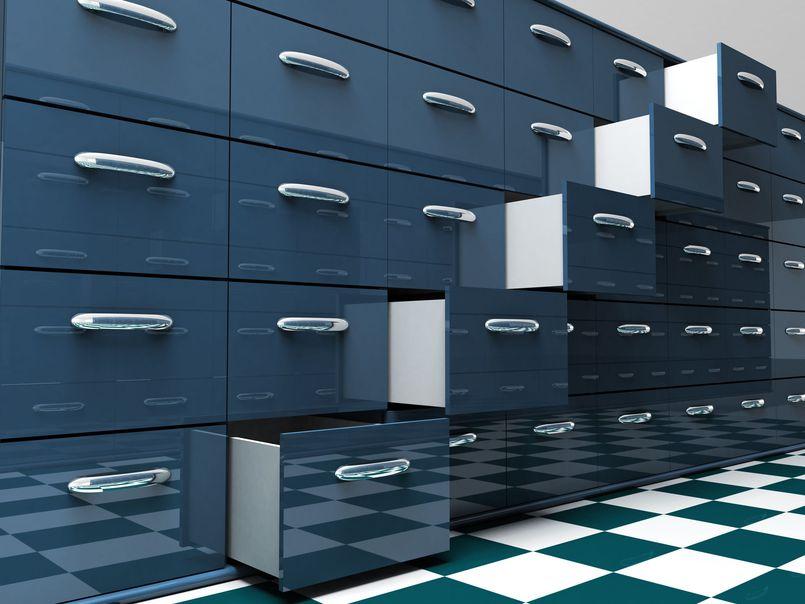Jakie szafy przydadzą się w firmie handlowej?