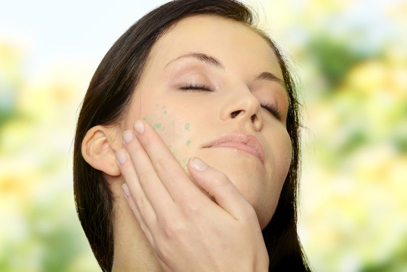 Peeling do twarzy – polecane kosmetyki