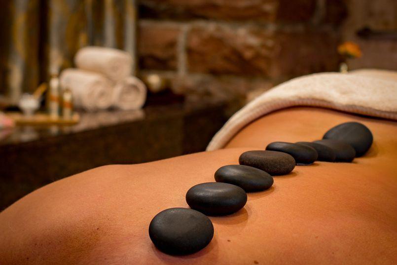 Masaż relaksacyjny, czyli idealny sposób na wyciszenie i odstresowanie – sprawdź, który będzie idealny dla Ciebie.