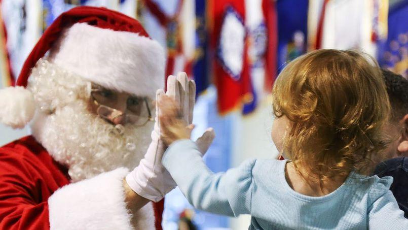 Komu prezenty pod choinkę przynosi Aniołek? O tradycjach świątecznych słów kilka